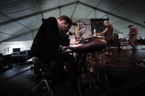 Phosphorescent keys player Scott Stapleton uses his hair well. IMHO.