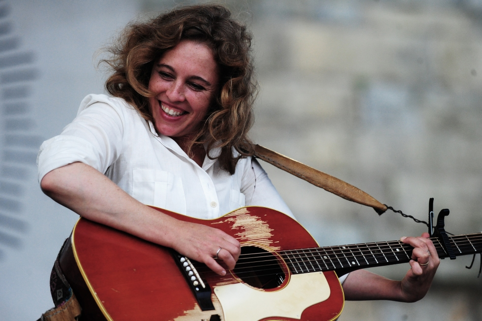 Tift Merritt on the Fort Stage at the 2013 Newport Folk Festival - Photo by Richard Kluver/grass clippings