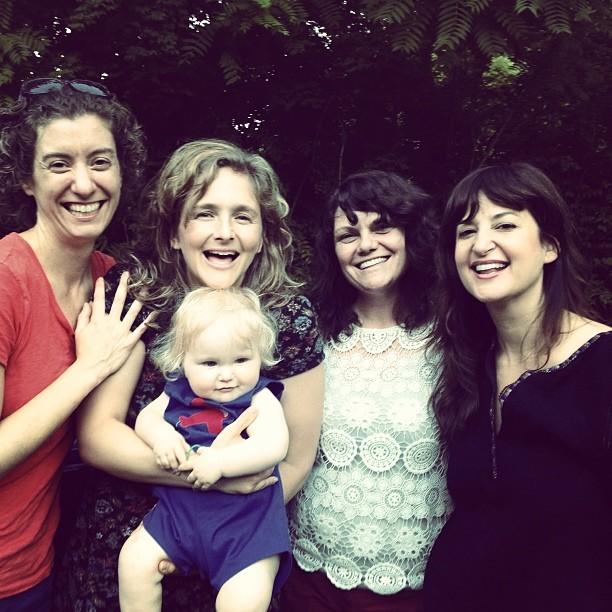 Uncle Earl - Left to right: Rayna Gellert, Abigail Washburn, KC Groves, Kristin Andreassen & Front: Juno Washburn Fleck!