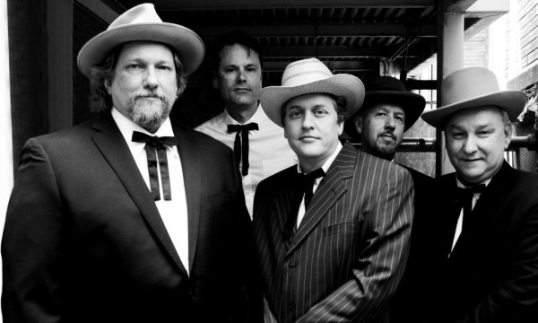 Jerry Douglas (left) and The Earls of Leicester