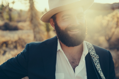 Drew Holcomb Press Photo 2